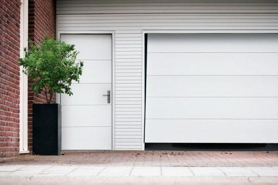 Bramy garażowe uchylne - ogrodzenia-europlot.pl