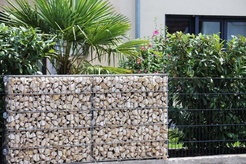 Tanie ogrodzenia – 3 rozwiązania, które Cię zainteresują, jeśli masz ograniczony budżet - ogrodzenia-europlot.pl