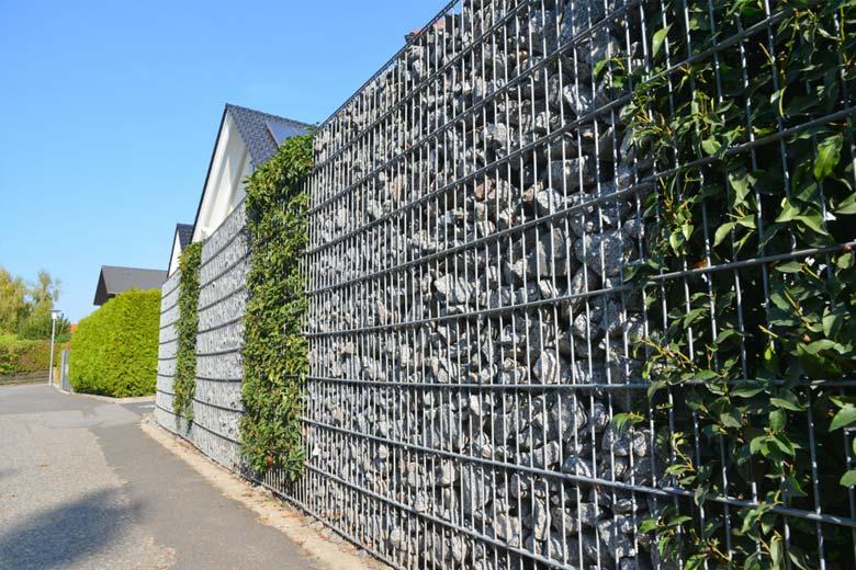 Ciekawe ogrodzenia posesji – dlaczego warto wybrać gabiony - ogrodzenia-europlot.pl