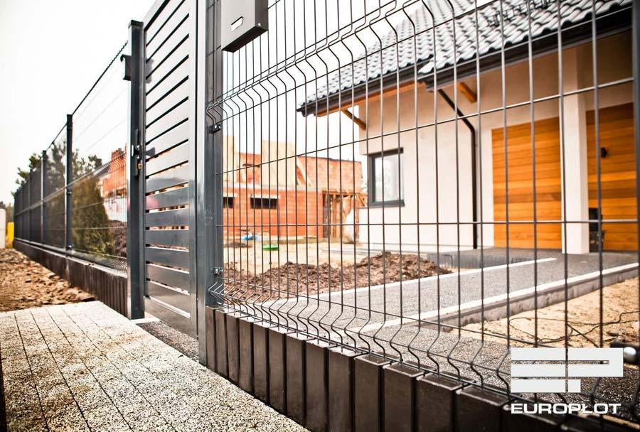 Ile kosztuje ogrodzenie frontowe i na co zwrócić uwagę przy wyborze? - ogrodzenia-europlot.pl