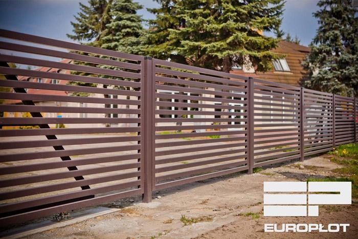Ogrodzenie bez podmurówki – 3 sposoby na płot bez fundamentu - ogrodzenia-europlot.pl