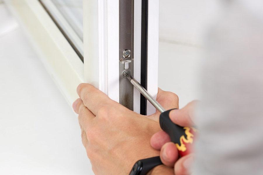Jak wyregulować okno PCV? Wskazówki - ogrodzenia-europlot.pl