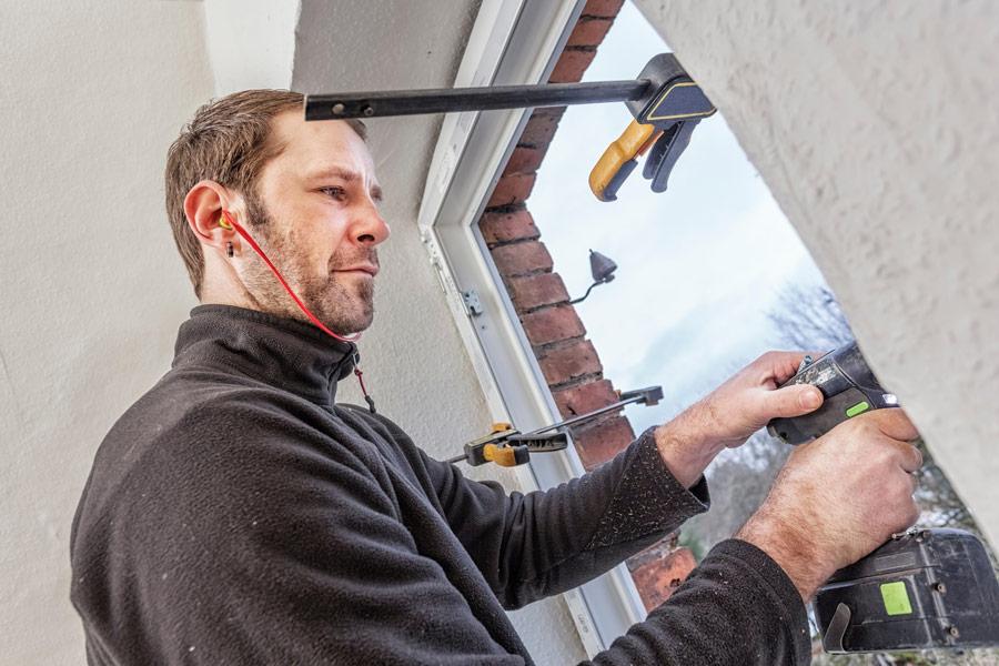 Wymiana okien w starym domu – na co należy się przygotować? - ogrodzenia-europlot.pl